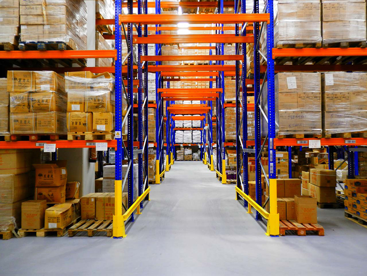 Precautions for use of pallet rack protector