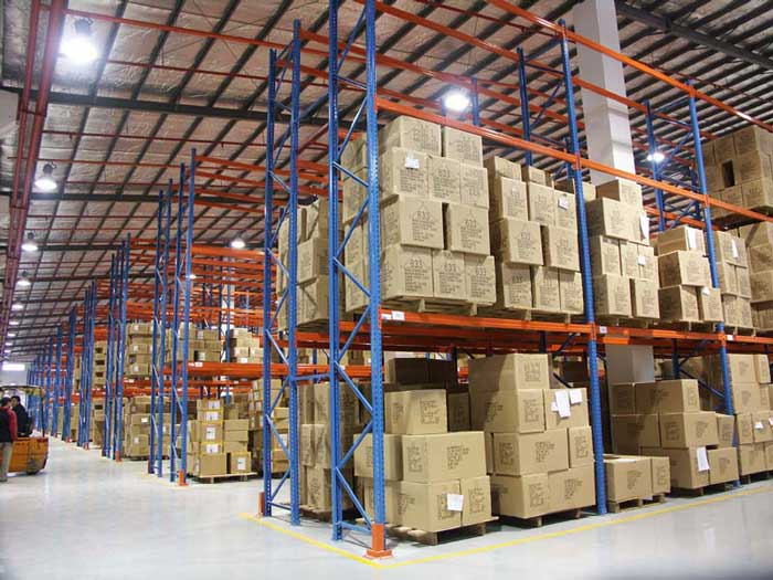 What should be paid attention to when cleaning storage racking?