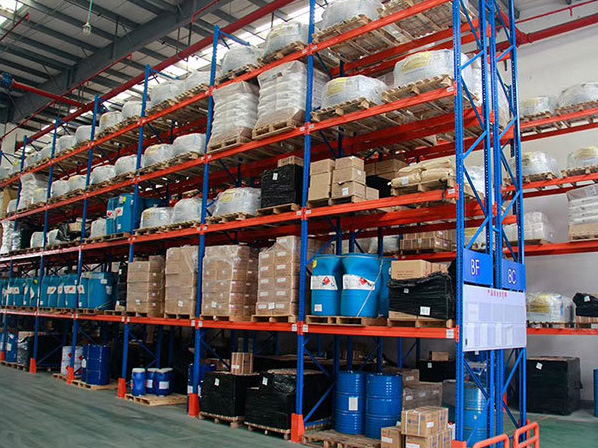 How to choose suitable heavy duty shelving system for chemical enterprises