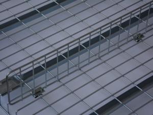 Drop-in vertical wire shelf dividers